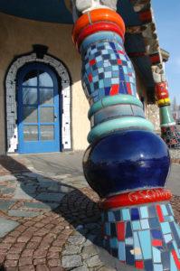 Detailfotos Markthalle Fenster Flaschenwand Turm 091